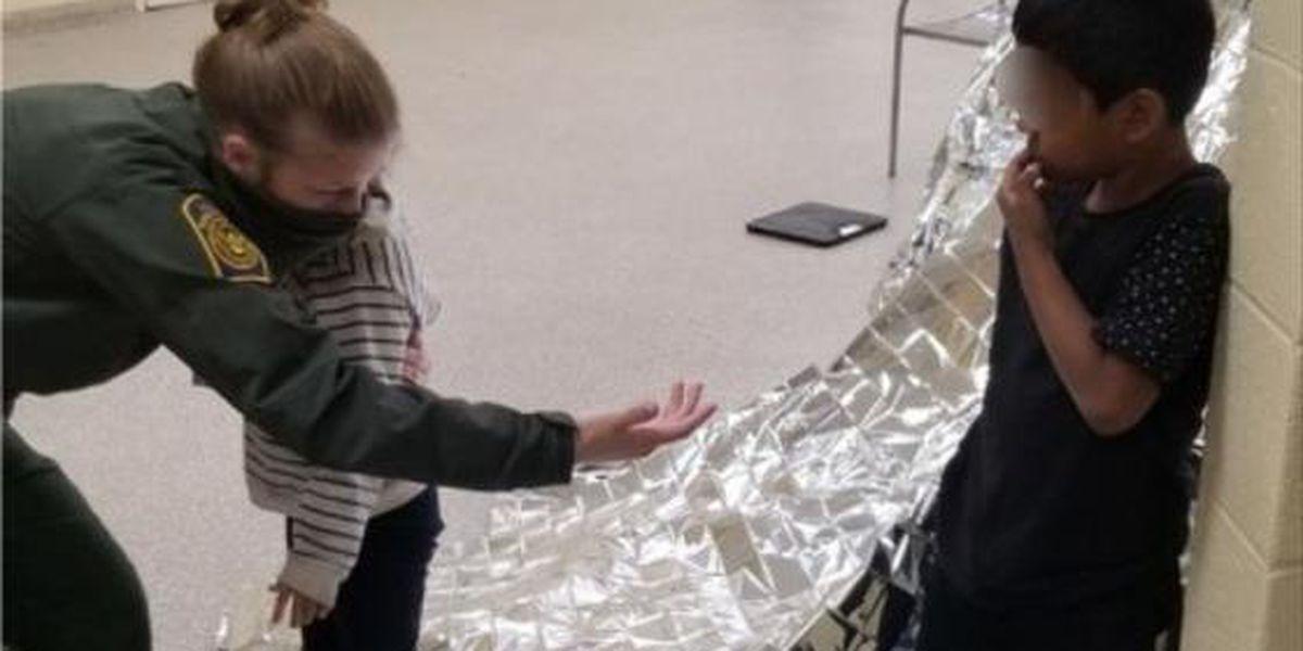 La Patrulla Fronteriza rescata a dos hermanos de 5 y 6 años abandonados en la frontera entre EE.UU. y México