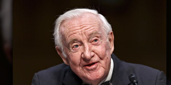 Longtime Supreme Court Justice John Paul Stevens passes away at 99