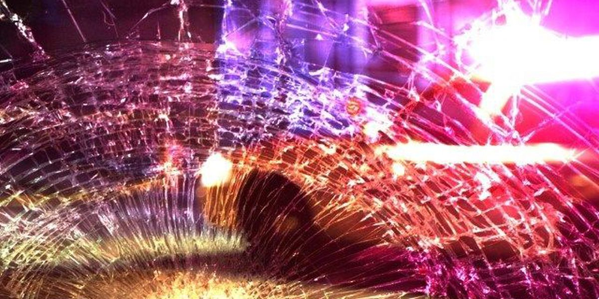 1 muerto en choque entre dos vehiculos en Condado Smith