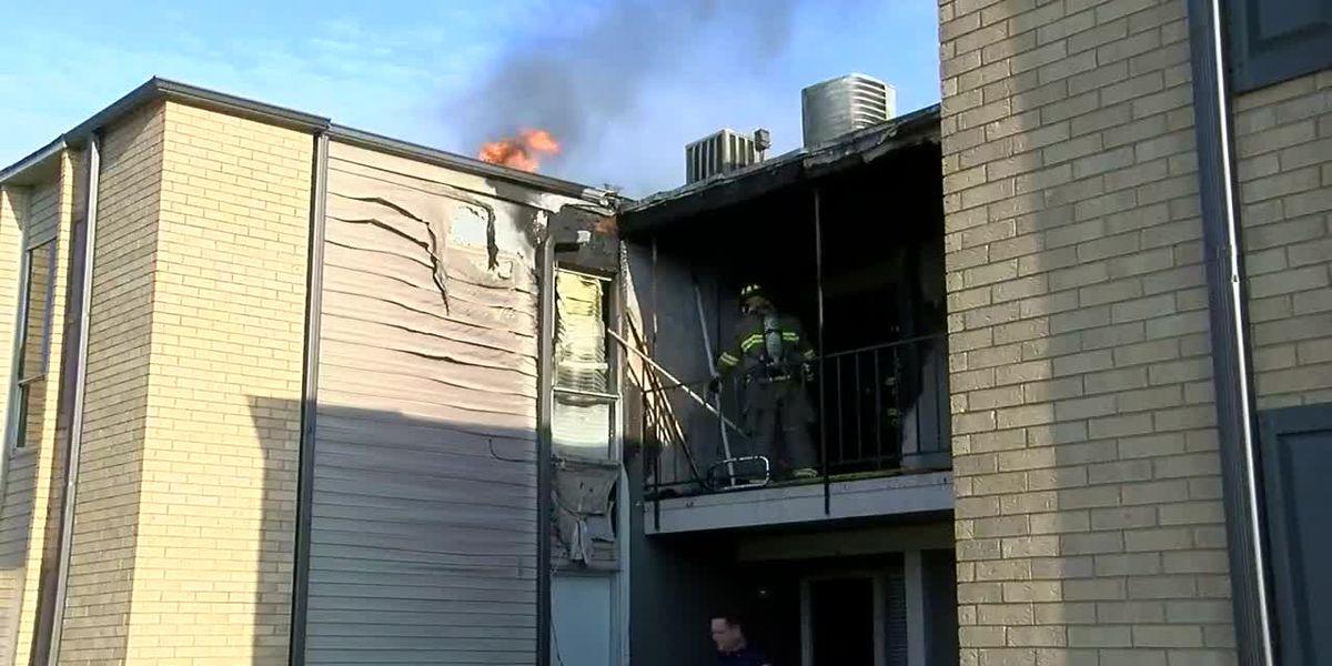 Cocina desantendida resulta en incendio de apartamento en Tyler