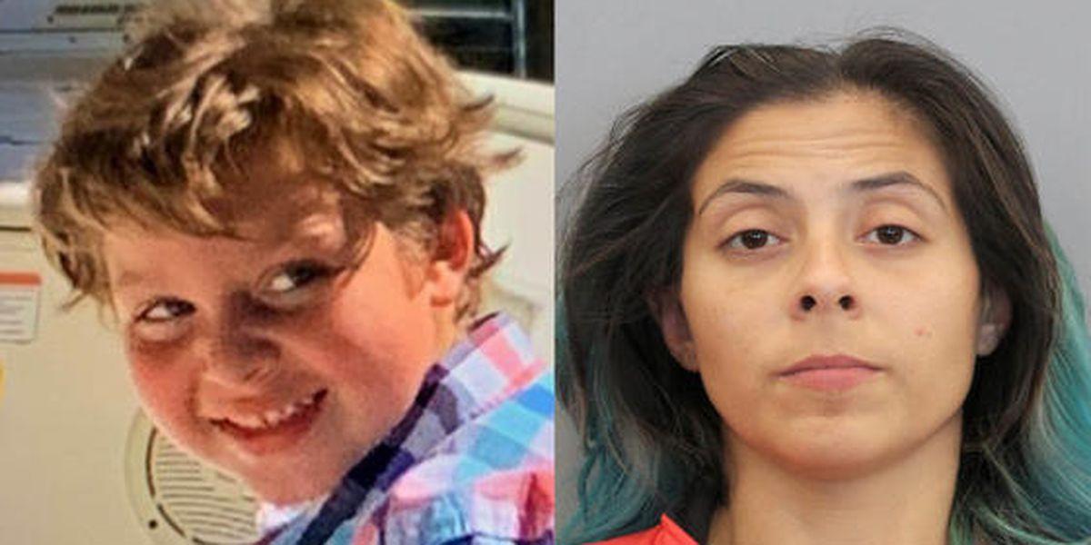 """""""Murió de golpes severos"""": revelan la autopsia del niño de 6 años hallado muerto en un motel de Texas"""