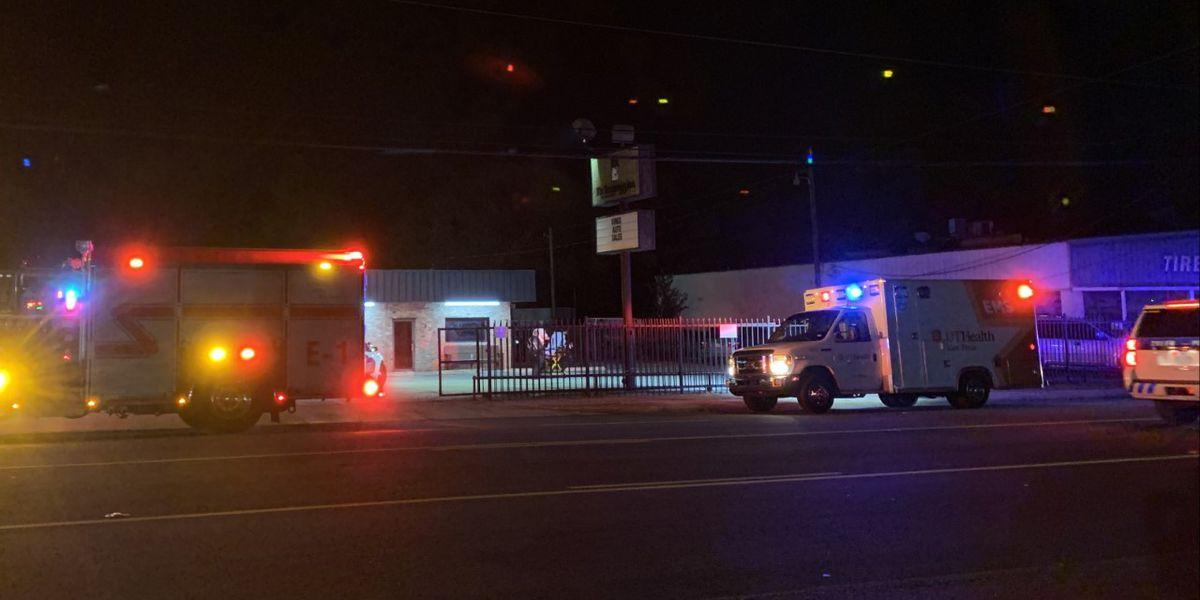 Una persona llevada al hospital después de un asalto agravado reportado en una tienda de transmisión de Tyler