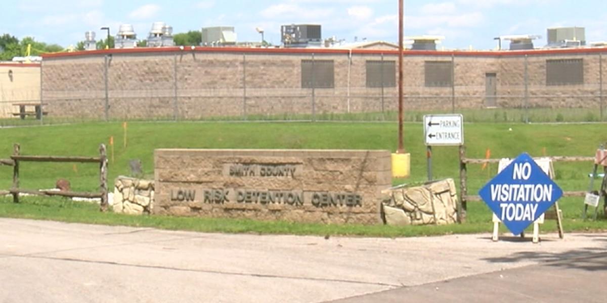 Cárcel del condado Smith tiene solo 10 presos positivos de COVID-19