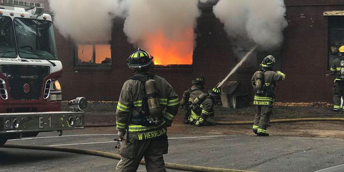 VIDEO: Magnesio en polvo conlleva a incendio, explosiones en empresario de Tyler