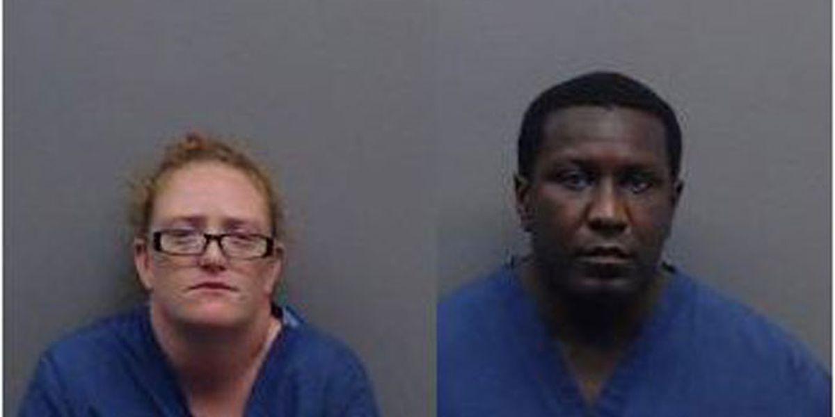 Padres arrestados después de que un niño con trauma visible muere en el hospital Tyler
