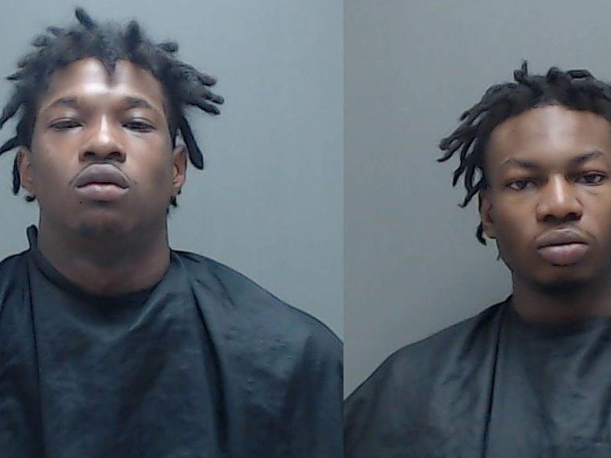 La policía de Marshall arresta a 2 hombres con numerosos artículos presuntamente robados de vehículos sin candado