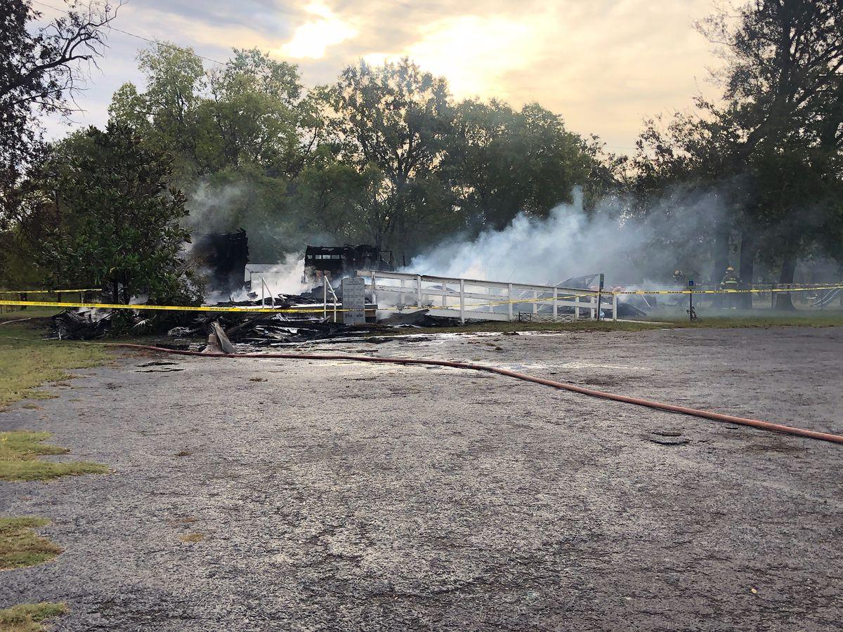 Incendio destruye iglesia histórica del Condado Van Zandt