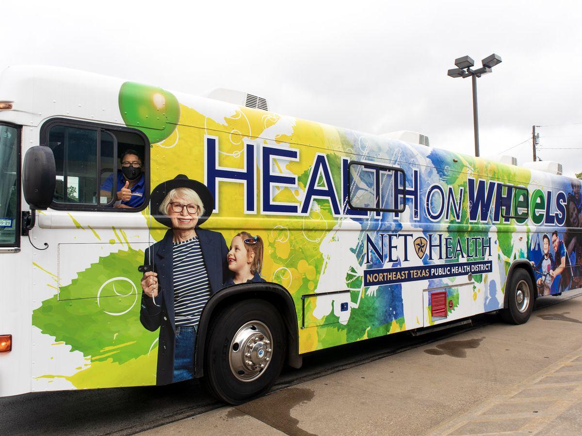"""""""Health On Wheels"""" comienza las vacunas móviles de regreso a clases"""