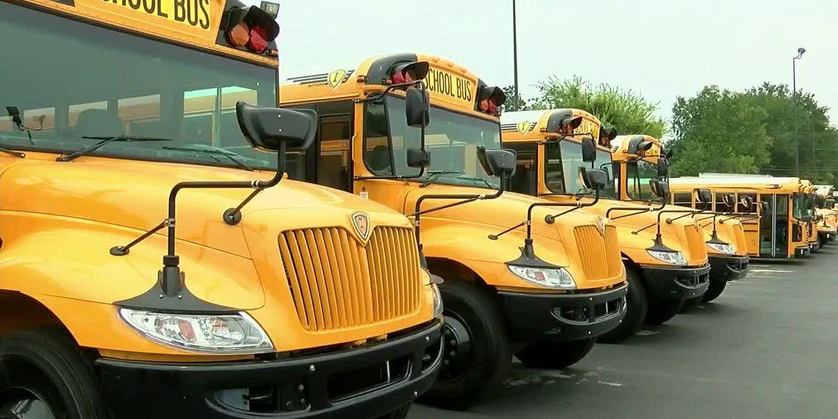 La siguiente normalidad: Viajar en autobuses escolares y la seguridad en el transporte