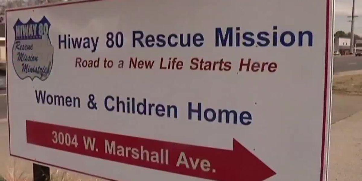Misión de rescate de Longview le proporciona a las personas sin hogar para salir del frío