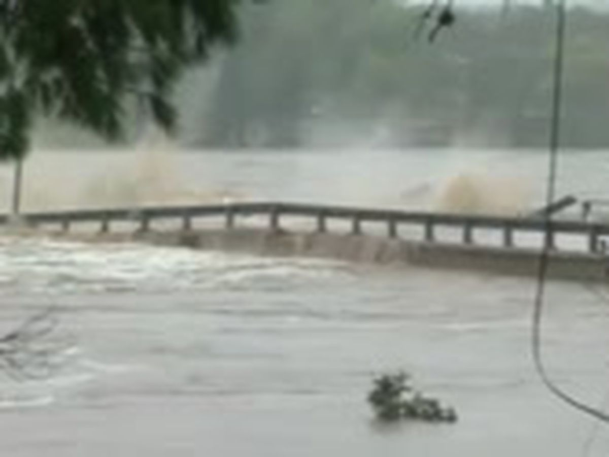 Gran incremento del Río Llano causa inundación catastrófica