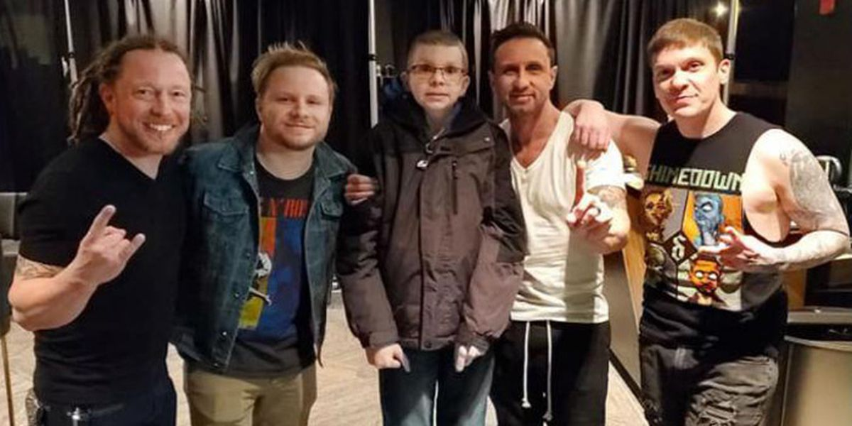 Man with terminal brain cancer has last wish granted: Goes backstage with his favorite band
